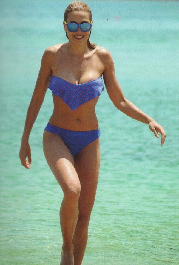 elena_papavasileiou_bikini_grand_resort_lagonisi_kanoni_6
