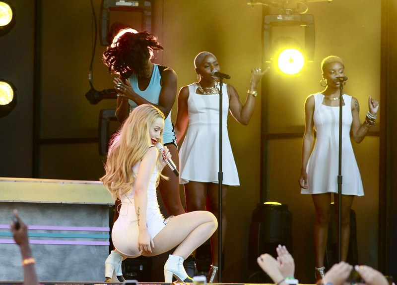 Iggy Azalea performs live during a concert at the 'Jimmy Kimmel Live' auditorium in Hollywood