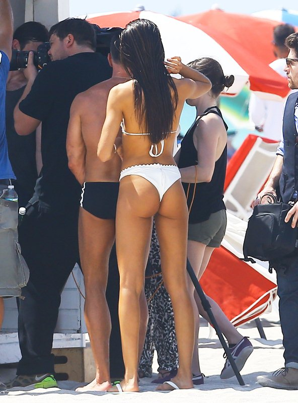 Semi-Exclusive... Izabel Goulart Does A Bikini Photo Shoot In Miami