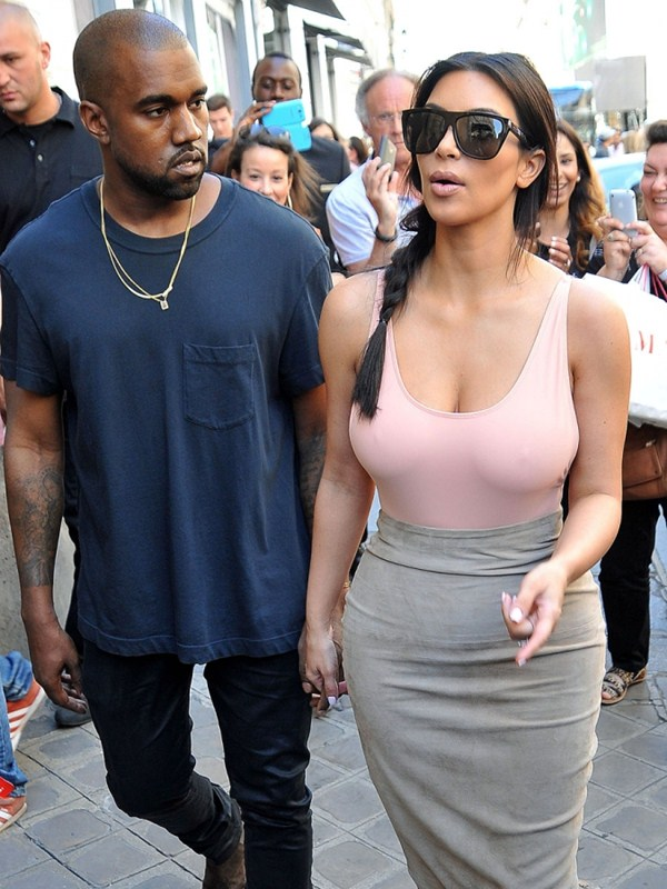 kim-kardashian-big-boobs-cleavage-side-boob-tank-top-paris-kanoni-11