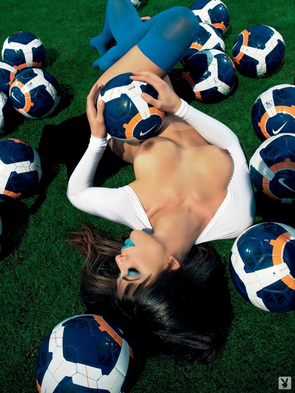 Elizabeth-Laini-Topless-Soccer-Photoshoot-for-Greece-World-Cup-2014-Kanoni-6