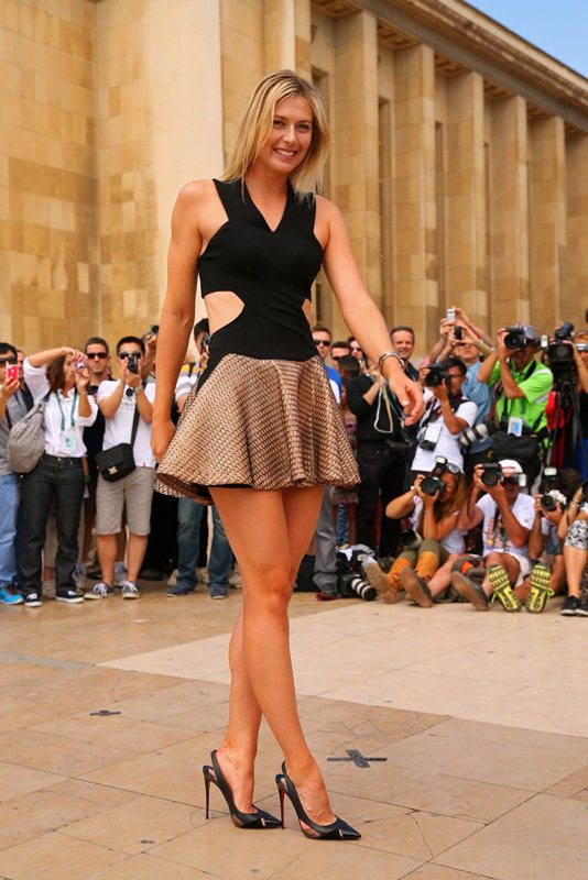 Maria-Sharapova-at-Roland-Garros-Trophy-Photoshoot-in-Paris-Kanoni-5