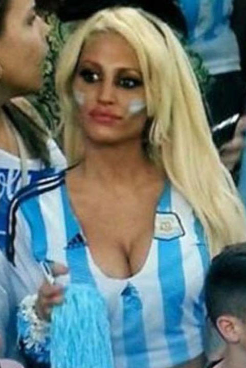 Vicky-Xipolitakis-Hot-Greek-Argentinian-Model-World-Cup-2014-Kanoni-5
