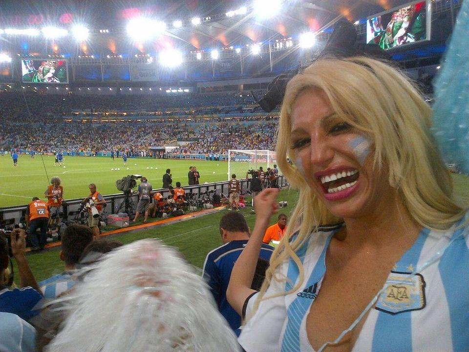 Vicky-Xipolitakis-Hot-Greek-Argentinian-Model-World-Cup-2014-Kanoni-7