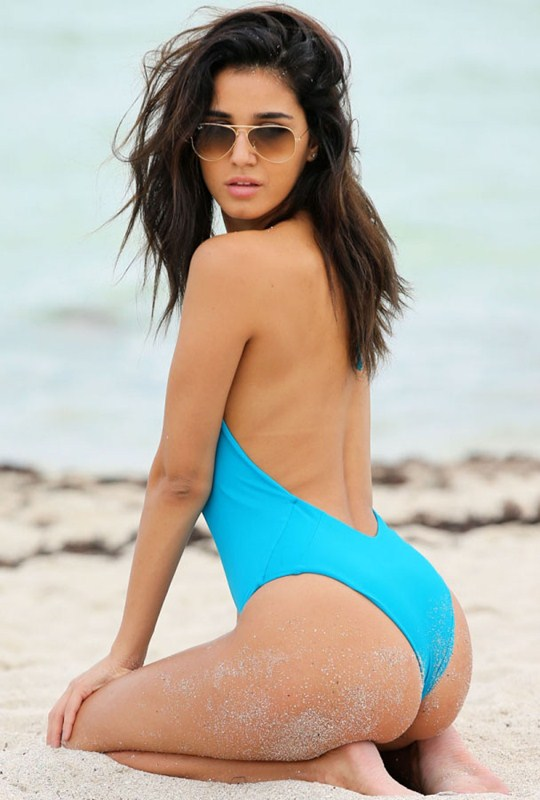 ashley-sky-blue-swimsuit-miami-beach-kanoni-1