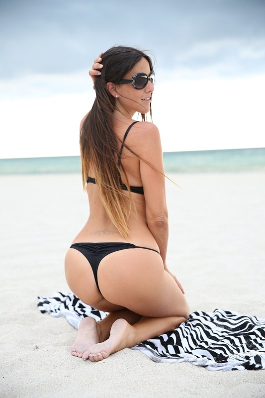 Claudia-Romani-Before-The-Storm-Bikini-Kanoni-6