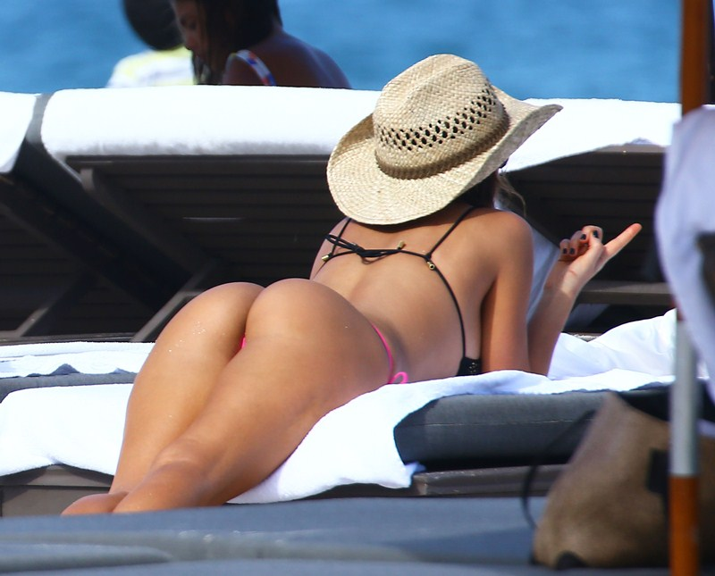 Karina Jelinek & Paz Cornu Show Off Their Bikini Bodies In Miami