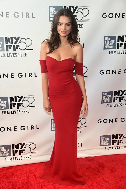 Emily-Ratajkowski-cleavage-Gone-Girl-premiere-New-York-Kanoni-3