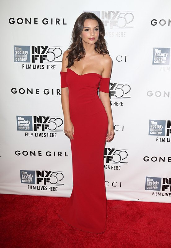 Emily-Ratajkowski-cleavage-Gone-Girl-premiere-New-York-Kanoni-5