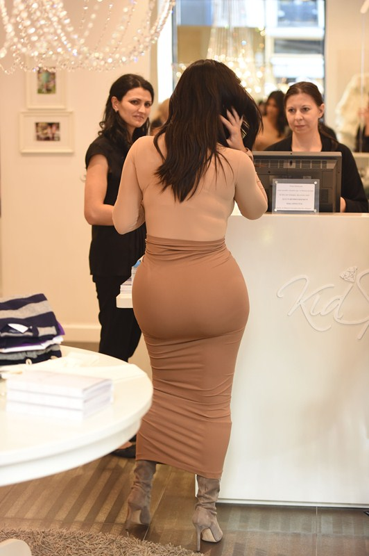 Kim Kardashian seen shopping at Givenchy in paris