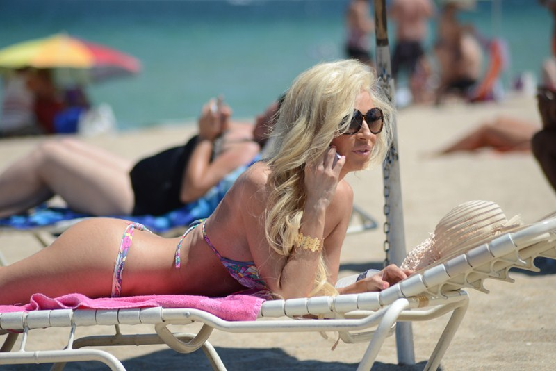 EXCLUSIVE: Ana Braga shows her bikini body as she spends a day out on Miami Beach