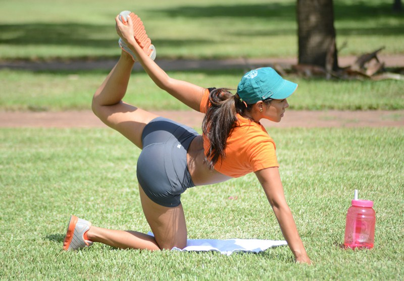 Exclusive... Andrea Calle Stretches Before Her Workout