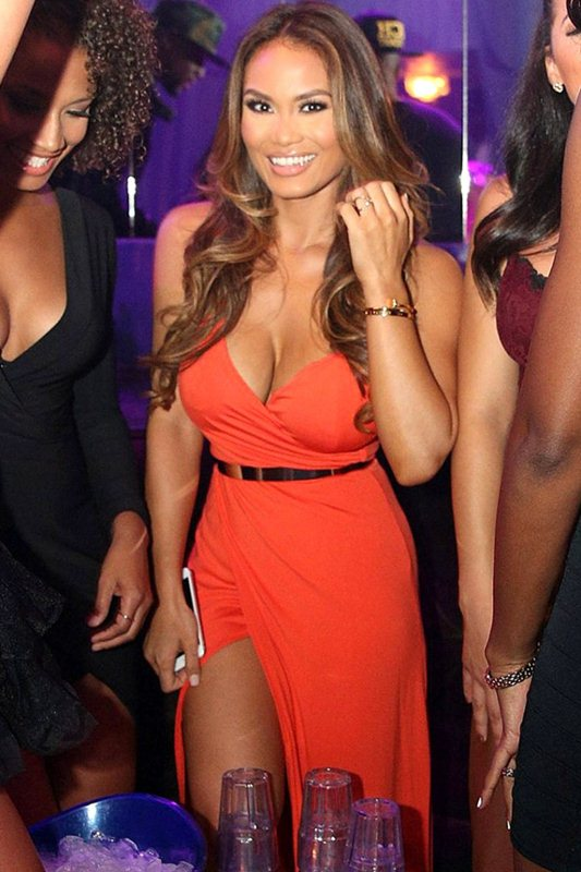 Daphne-Joy-Wears-A-Cleavy-Dress-While-Hosting-At-The-Cosmo-Hollywood-Kanoni-5