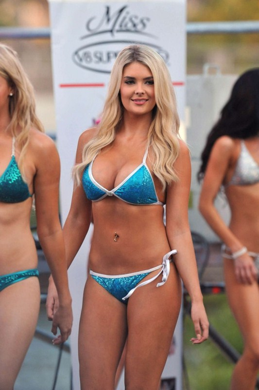 Miss-V8-Supercar-Bikini-Competition-2014-Kanoni-1