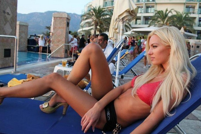 Tzoulia-Nova-Hot-Blonde-Kanoni-7