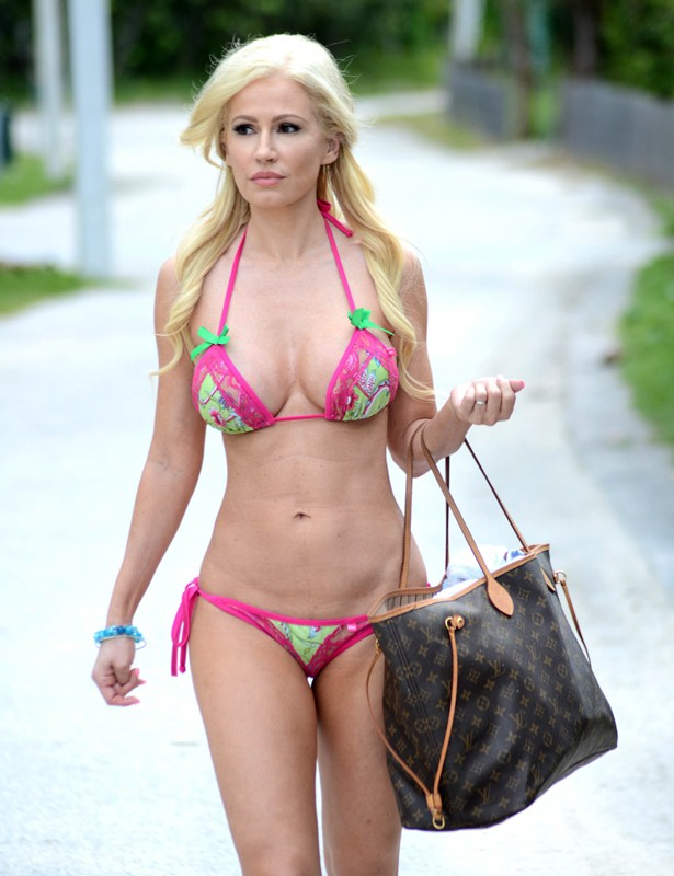 Exclusive... Ana Braga Shows Off Her Bikini Body In Miami