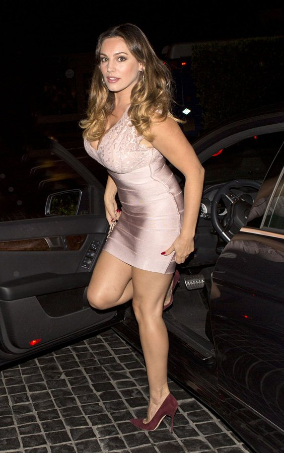 kelly-brook-arrives-at-cecconi-s-in-west-hollywood-kanoni-3