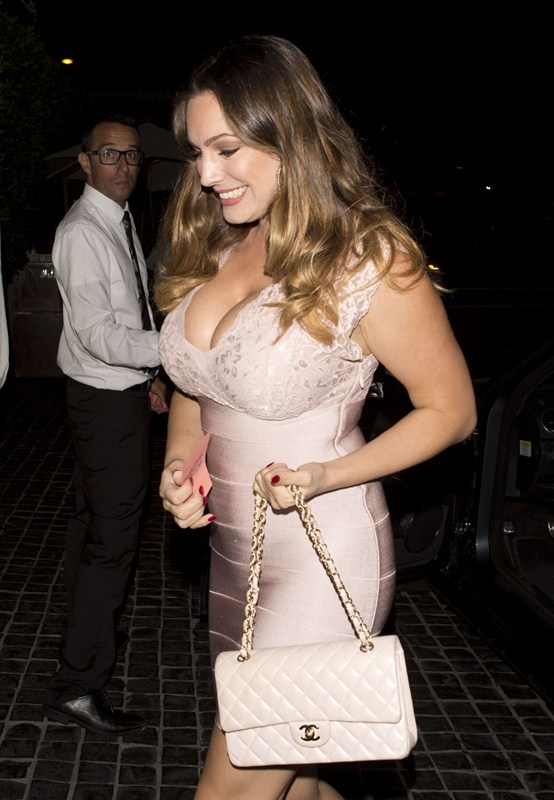 kelly-brook-arrives-at-cecconi-s-in-west-hollywood-kanoni-4