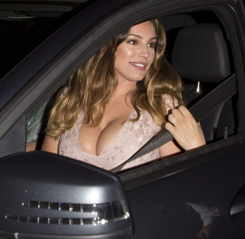 kelly-brook-arrives-at-cecconi-s-in-west-hollywood-kanoni-8