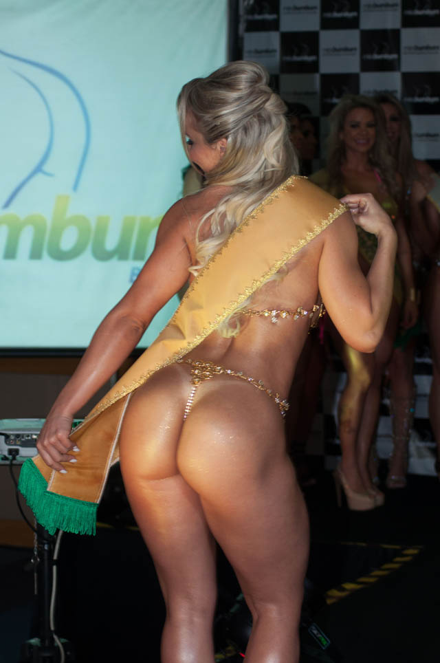 Indianara Carvalho wins the 2014 Miss Butt (Miss Bumbum 2014)