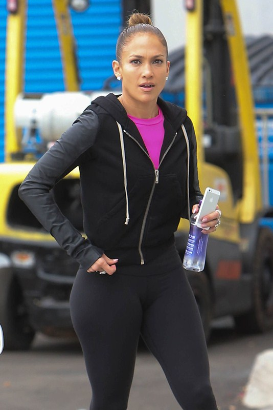 Jennifer Lopez Booty Yoga Pants Los Angeles Kanoni 1