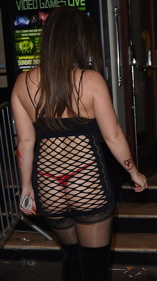 Lauren-Goodger-Halloween-Party-Kiss-Fm-Kanoni-7
