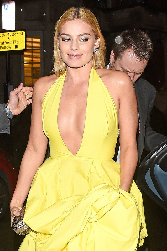 Margot Robbie oozes sex appeal - Part 2 **USA ONLY**