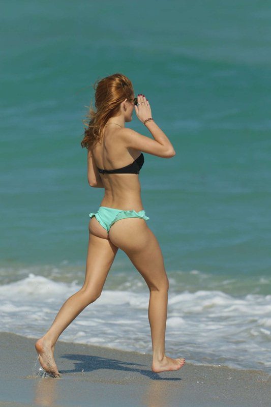 bella-thorne-bikini-body-miami-beach-kanoni-5