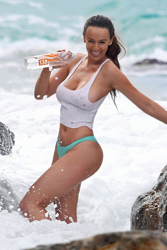 kayla-swift-bikini-wet-tank-top-laguna-beach-kanoni-2
