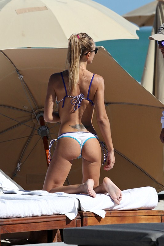 Italian model, Laura Cremaschi enjoys at the beach with her boyfriend in Miami