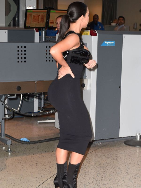 kim-kardashian-huge-ass-tits-body-scan-airport-kanoni-6