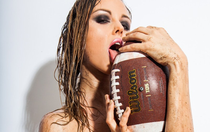 luci_ford_superbowl_hot_kanoni_1