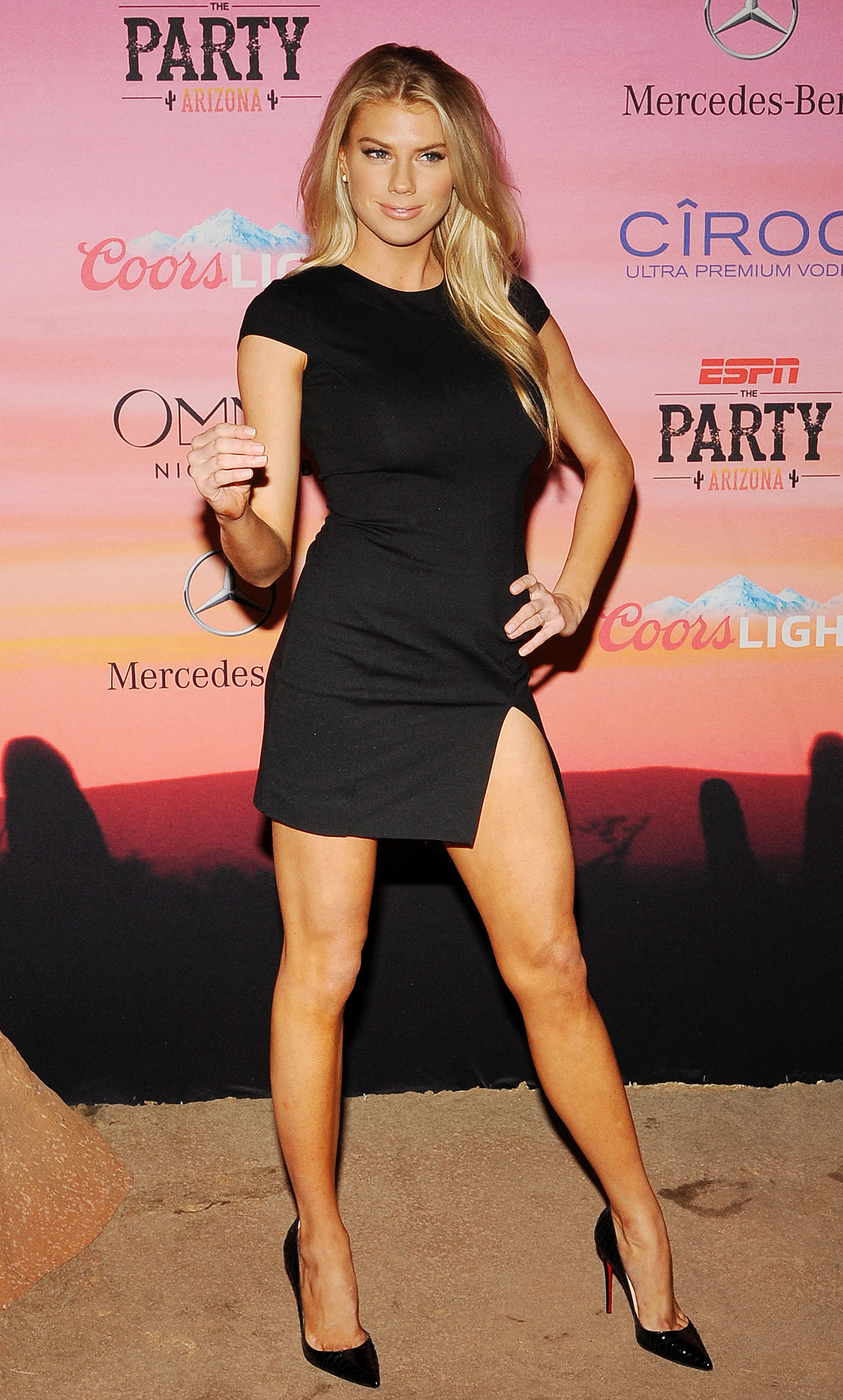 Charlotte-McKinney-looking-hot-at-ESPN-Party-in-Scottsdale-Kanoni-3