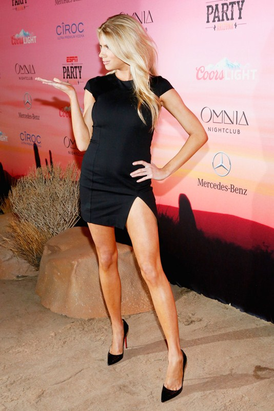 Charlotte-McKinney-looking-hot-at-ESPN-Party-in-Scottsdale-Kanoni-5