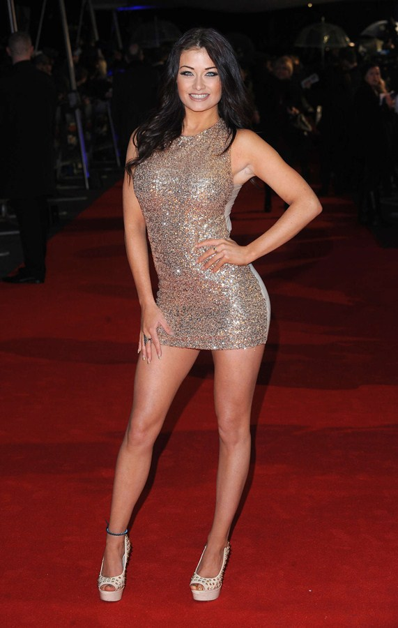 Jess-Impiazzi-The-Gunman-UK-Premiere-Kanoni-2
