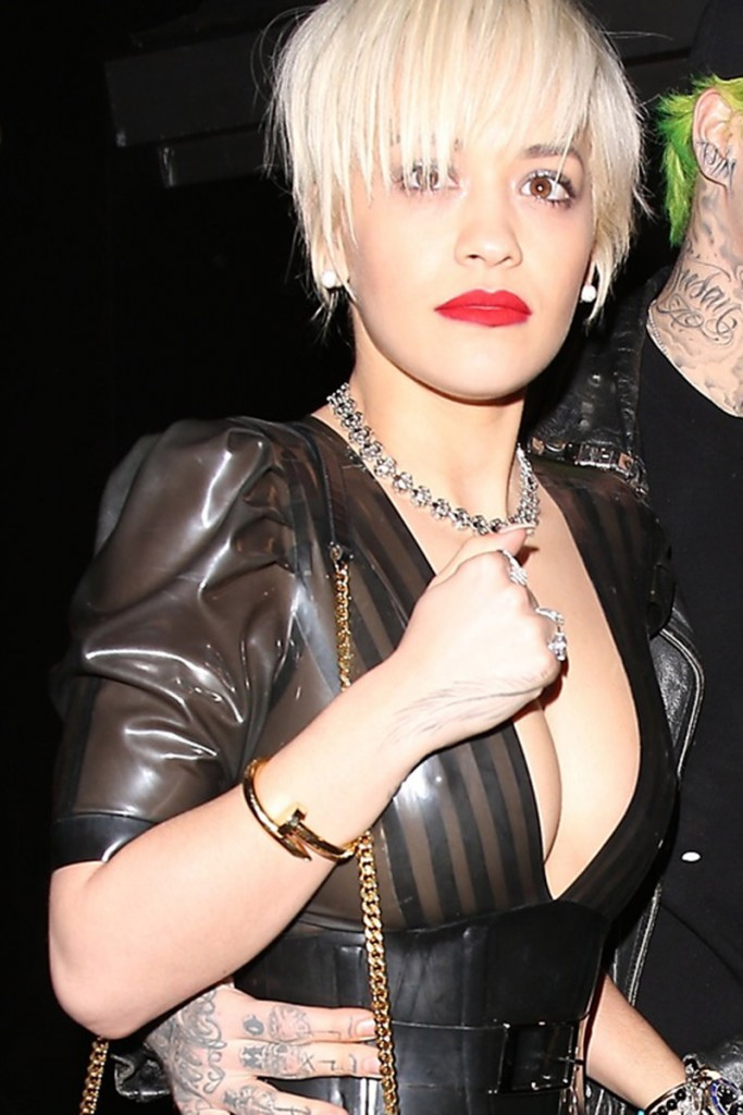 Rita-Ora-Big-Nipple-Braless-See-through-night-hollywood-kanoni-1