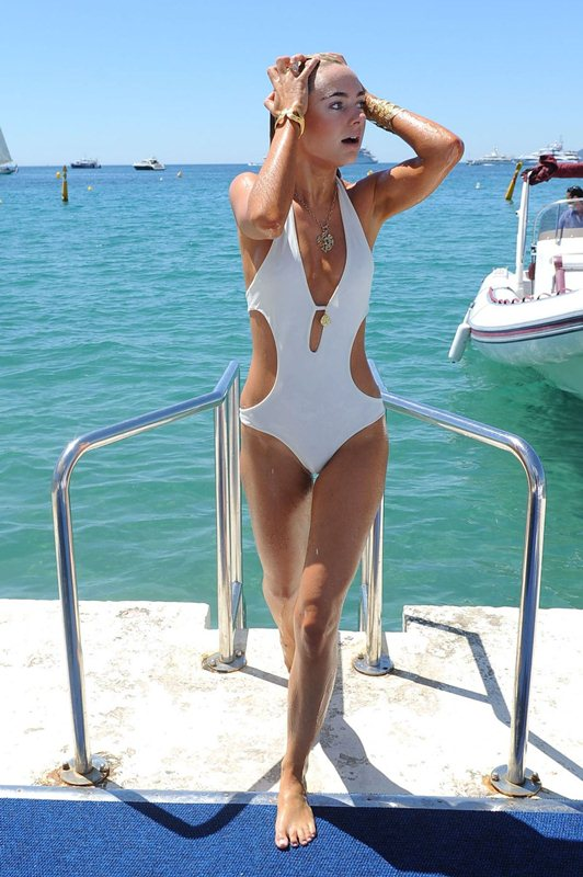 kimberley-garner-in-swimsuit-at-a-beach-in-cannes-kanoni-5
