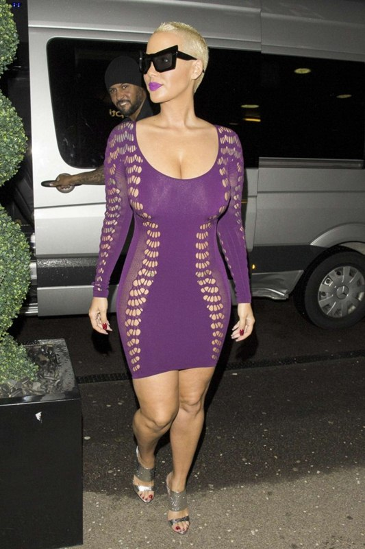 Amber-Rose-in-Tight-Purple-Dress-Kanoni-8