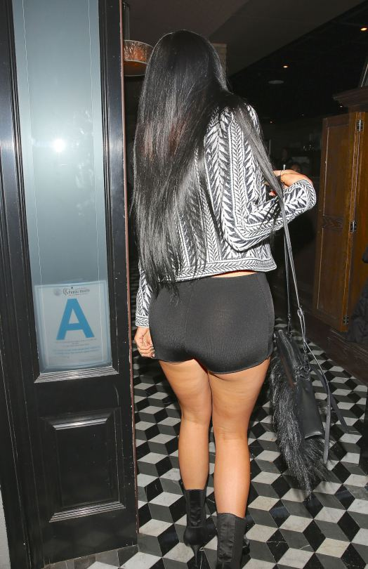 Kylie-Jenner-hot-night-candids-west-hollywood-kanoni-2