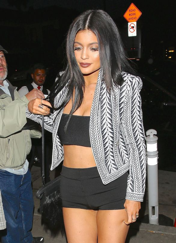 Kylie-Jenner-hot-night-candids-west-hollywood-kanoni-5
