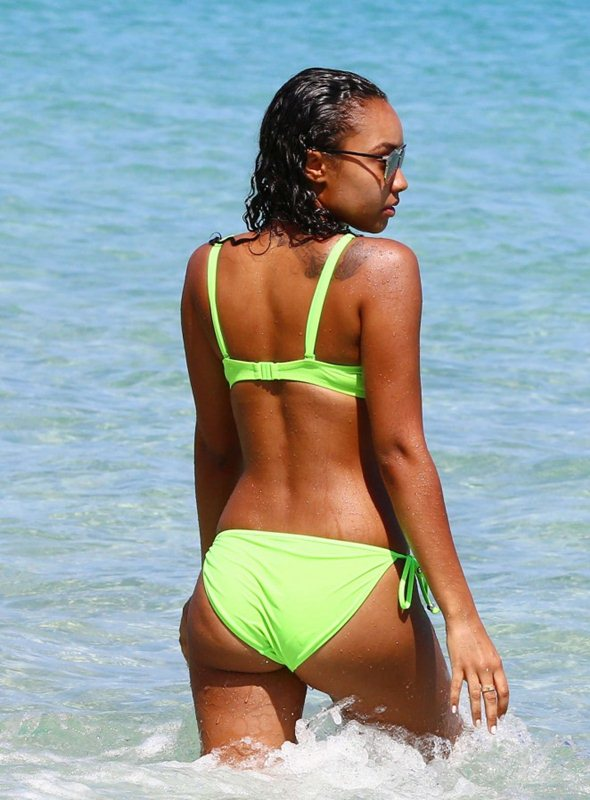 Leigh-Anne-Pinnock-in-Bikini-Jamaica-Kanoni-2