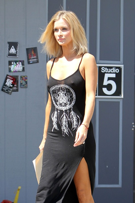 EXCLUSIVE: Joanna Krupa seen filming scenes for her new movie 'You Can't Have It'