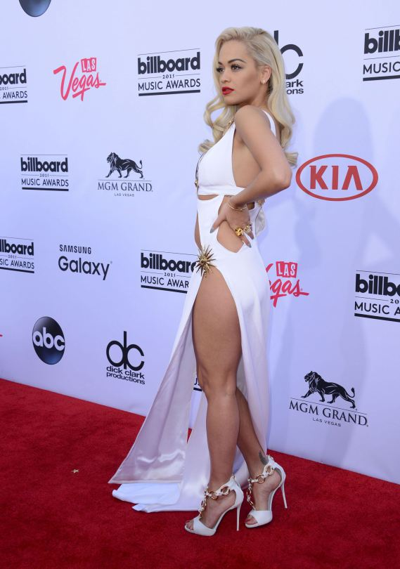 Rita-Ora-Billboard-2015-Music-Awards-Kanoni-3