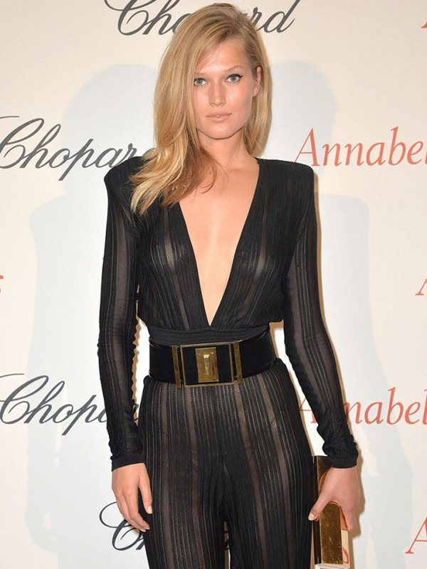 Toni-Garrn-See-through-Bodysuit-Cannes-Kanoni-4