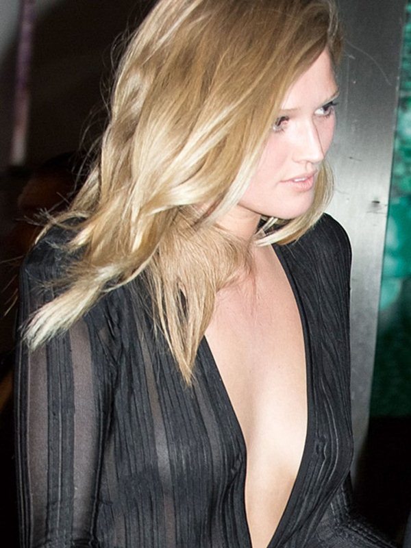 Toni-Garrn-See-through-Bodysuit-Cannes-Kanoni-5