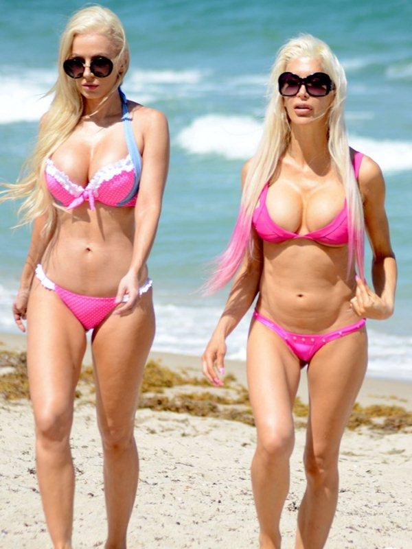 frenchy-angelique-morgan-ana-braga-beach-kanoni-5