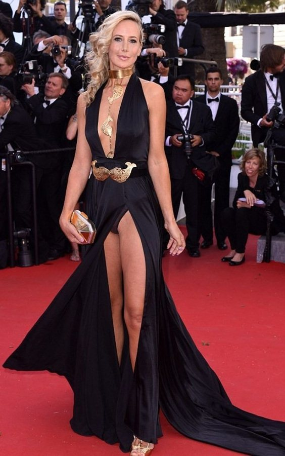 lady-victoria-hervey-at-youth-premiere-at-cannes-film-festival-kanoni-2