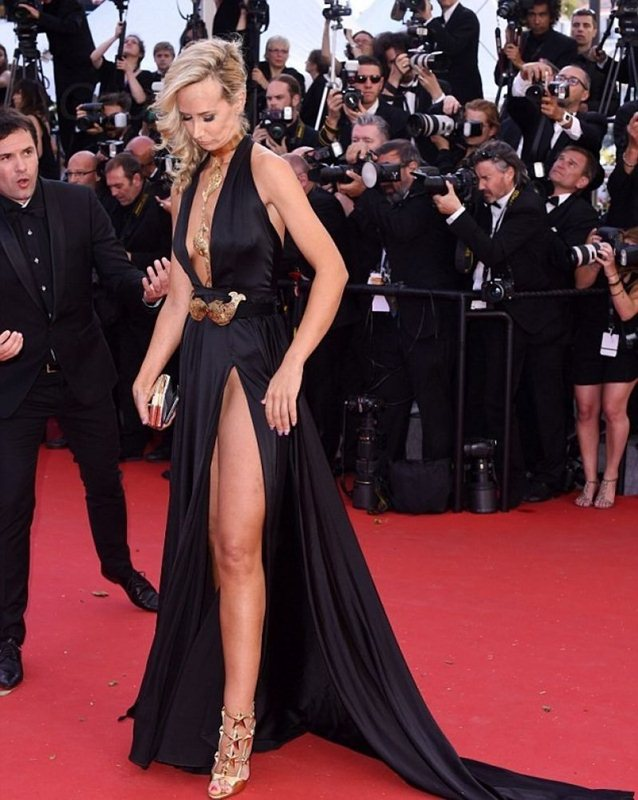 lady-victoria-hervey-at-youth-premiere-at-cannes-film-festival-kanoni-3
