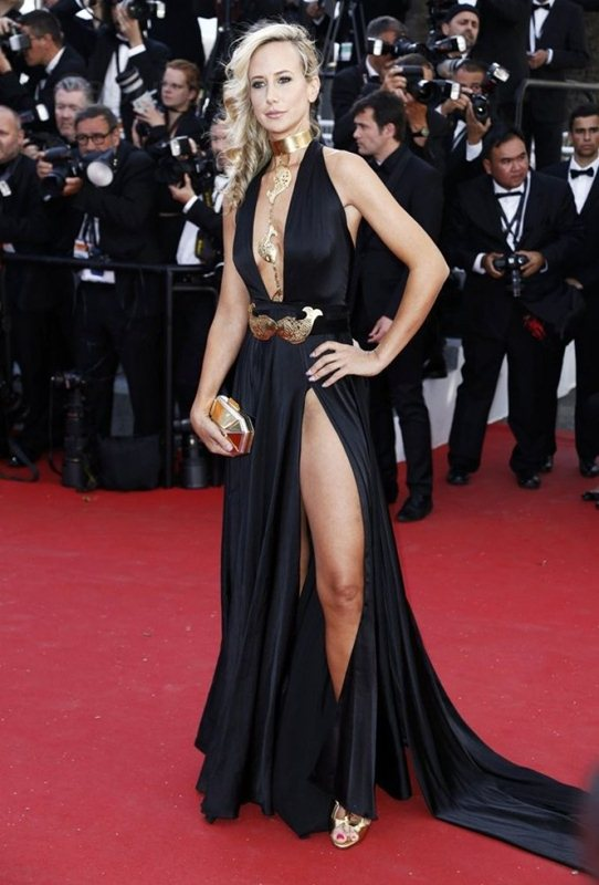 lady-victoria-hervey-at-youth-premiere-at-cannes-film-festival-kanoni-8