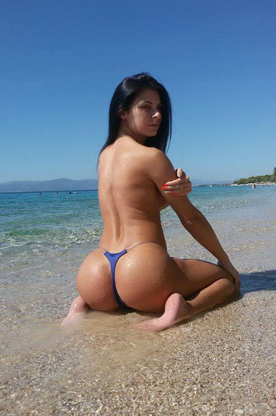 Inna-Thong-Bikini-At-The-Beach-Kanoni-1